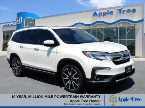 New 2019 Honda Pilot Touring w/Rear Captain's Chairs