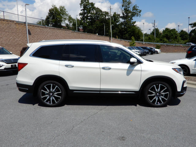 New 2019 Honda Pilot Touring W Rear Captain S Chairs